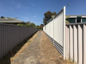 Colorbond fencing install in Perth – Surfmist
