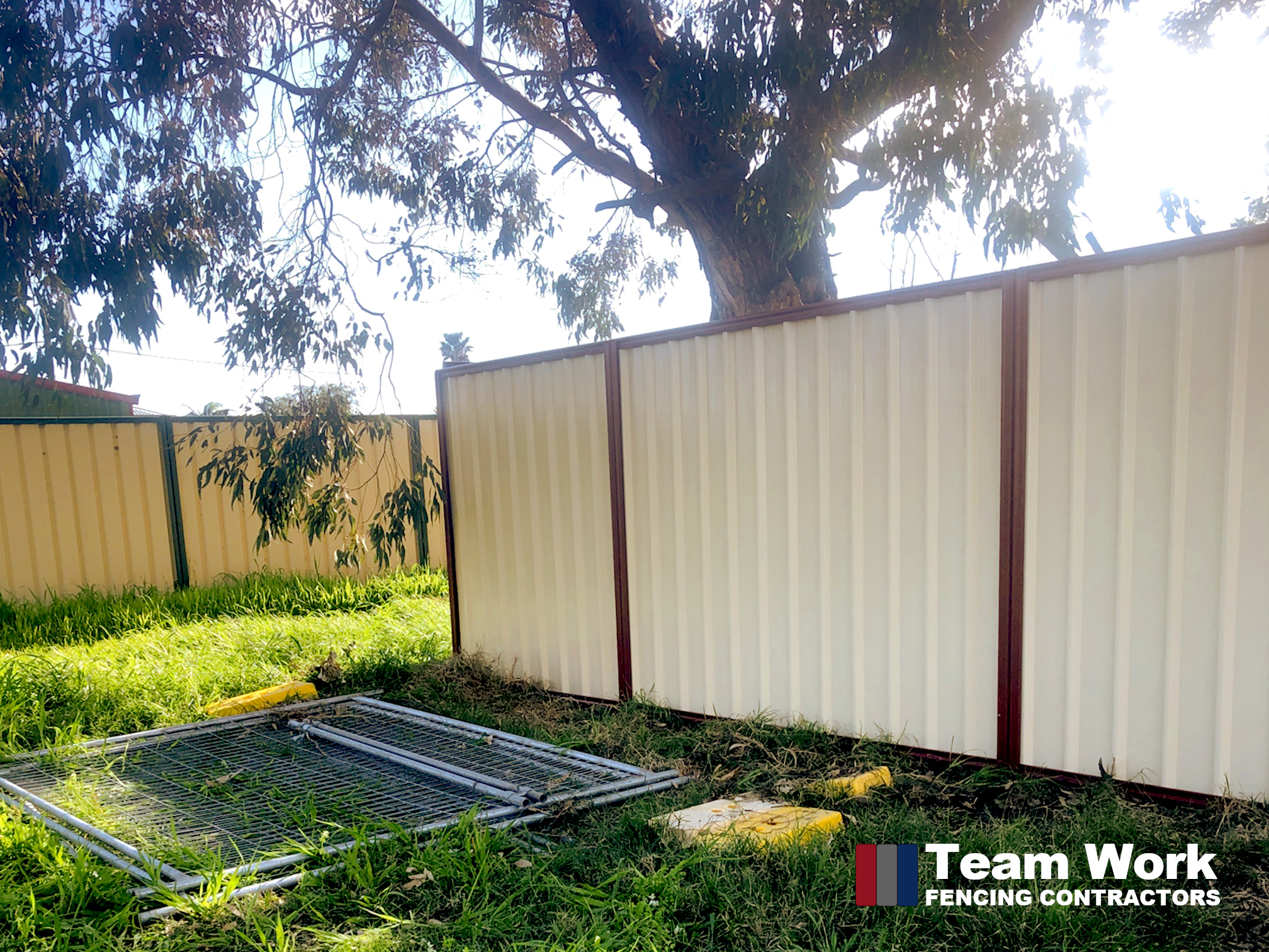 Two Tone Colorbond Fence in Red and Cream Color Installed in South Bunbury WA