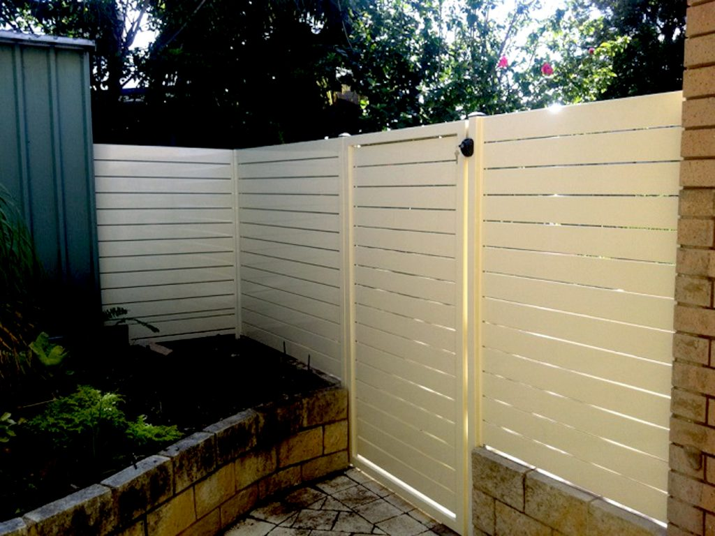 Cream Coloured Horizontal EZI Aluminium Slat Fencing Perth