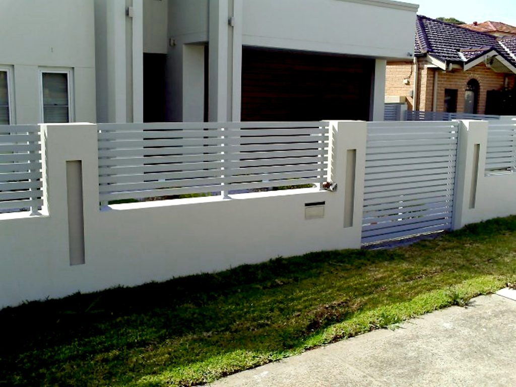 Gray Aluminium Horizontal Slatted Fencing and Gate Perth