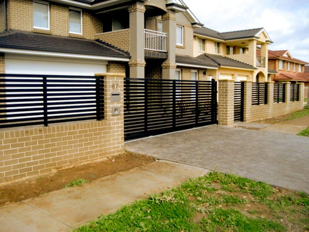 Black Aluminium Slat Fence and Gate