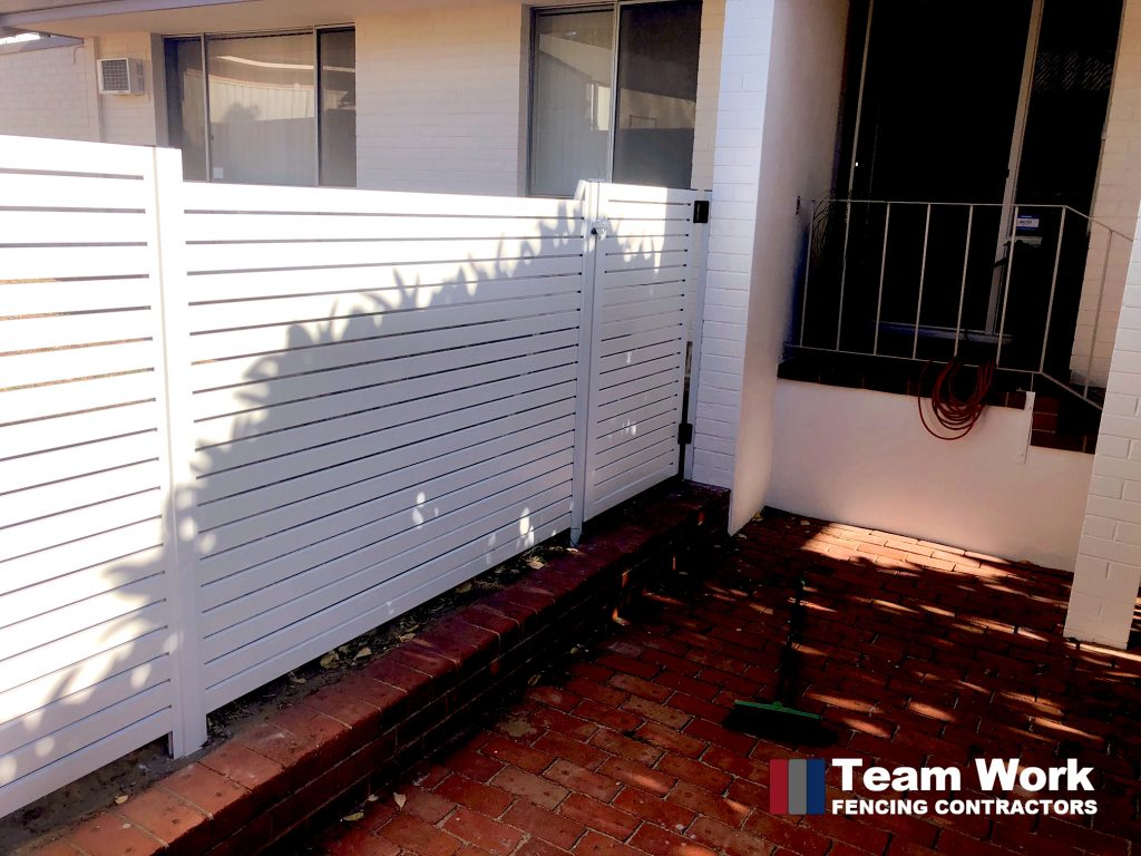 White Horizontal EZI Slat Fence with Gate Perth