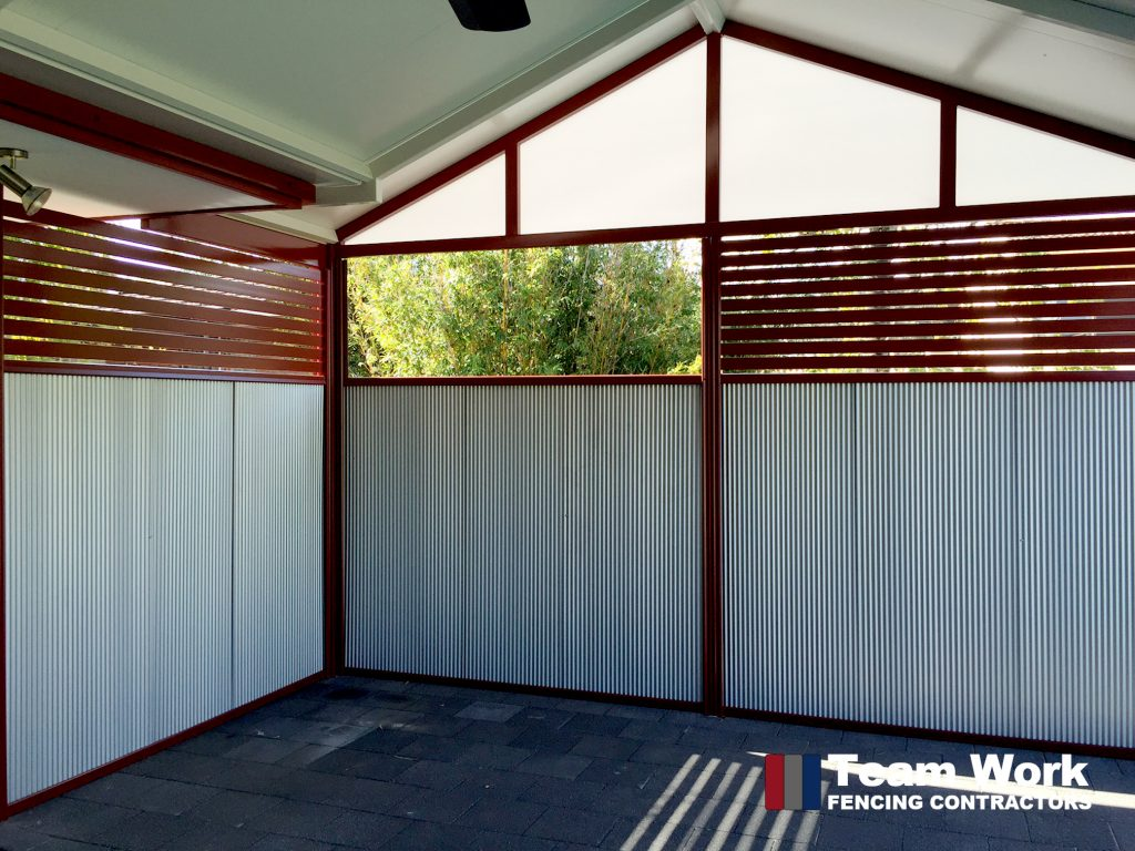 Feature Fencing Mini Flute Fencing with Aluminium Slats for a Porch
