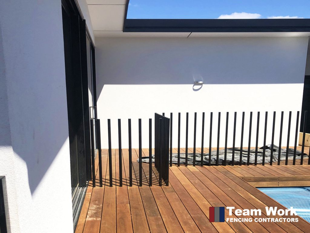 Custom Free Standing Round Post Pool Fencing Installation Perth