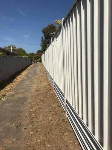 Fencing contractors in Southern Perth